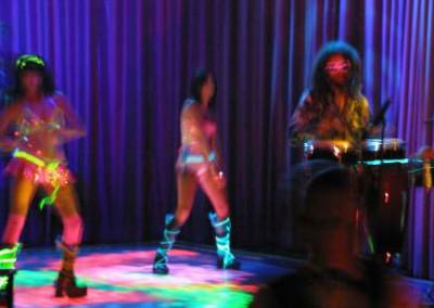 Palms Dance Floor Girl