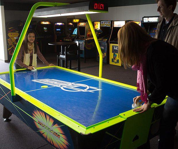 Air Hockey Table w Overhead Scoring-02