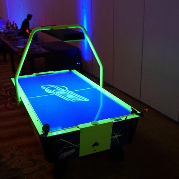 Hot Flash Air Hockey Table w Overhead Scoring