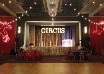 Circus-025