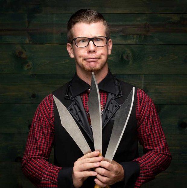 Nerdy Noah Show Knives